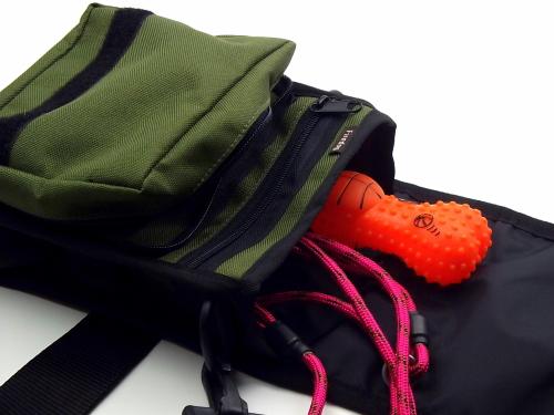 犬のお散歩バッグ|FIREDOG ドキュメントショルダーバッグ(愛犬とのお出かけ用オーナーバッグ)|カードや小銭も整理できるお散歩バッグ